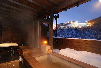 露天風呂 温泉 冬 美月