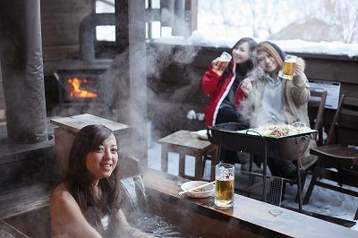 温泉 露天風呂 女性 生ビール ジンギスカン 冬 表紙