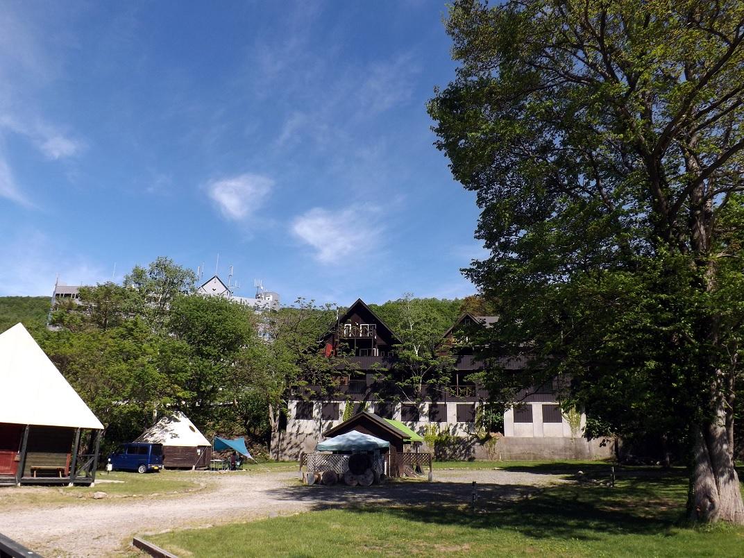 キャンプ&露天棟外観 リサイズ