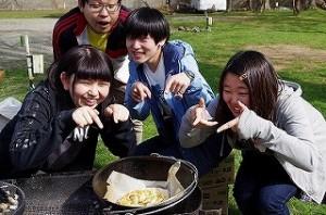 バーベキュー キャンプ 料理 ダッチオーブン ピザ
