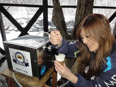 バーベキュー 雪 冬 生ビール ビールサーバー
