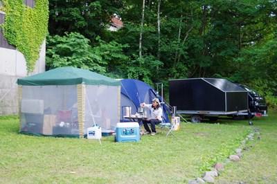 お客様 キャンプ場 テント トレーラー